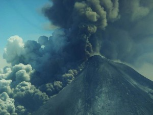 Pavlof volcano eruption column, May 18, 2013. Photo courtesy Theo Chesley.
