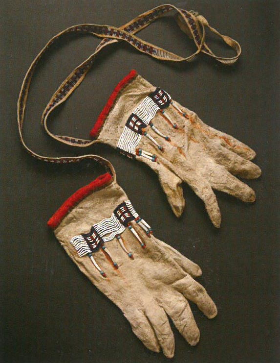 Summer Gloves with Strap, Tyonek (1883.)