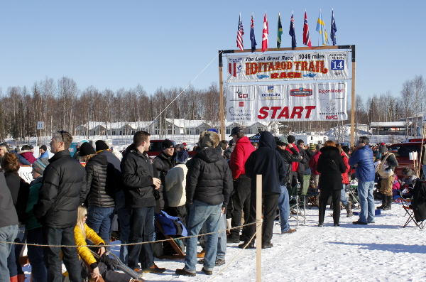 Spectators await the start of the 2014 Iditarod in Willow. Photo by Josh Edge, APRN - Anchorage.