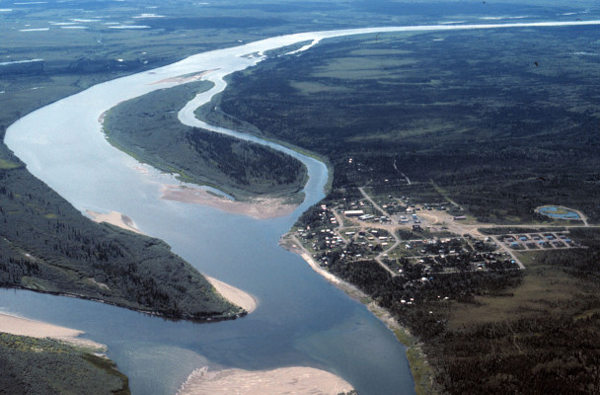 Aerial view of Ambler and the Kobuk River in the summer. (Courtesy of the National Park Service via UAF Gates of the Arctic Research Portal)