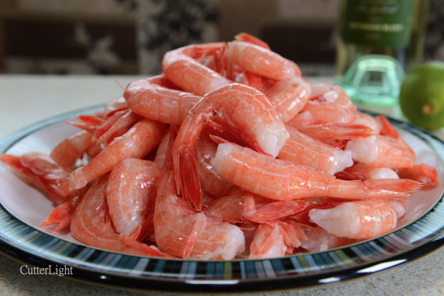 Smaller than spot prawns, these Alaska side stripe shrimp have the soft texture and signature sweetness of the ama-ebi served by sushi chefs. They are excellent served raw and dipped in soy sauce with a hint of wasabi. Any leftovers make a superb omelet or open-faced shrimp melt sandwich.