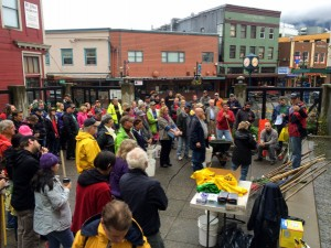 Juneau Turns Out For Downtown Cleanup