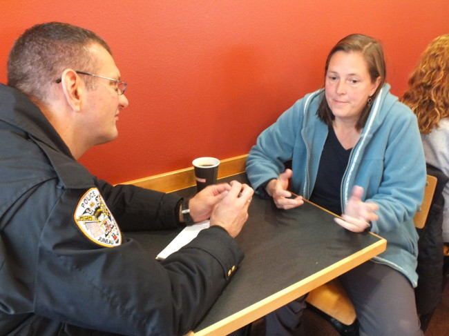 Coffee-with-a-Cop-650x487