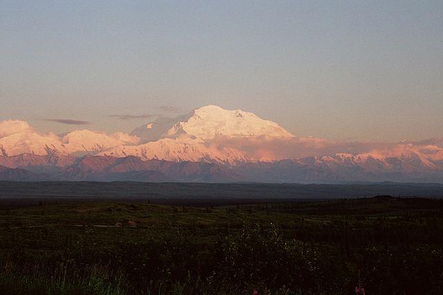640px-Denali-sunset