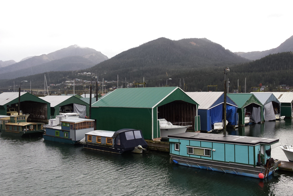 Houseboats in Aurora Harbor (Photo by Kayla Desroches/KTOO)