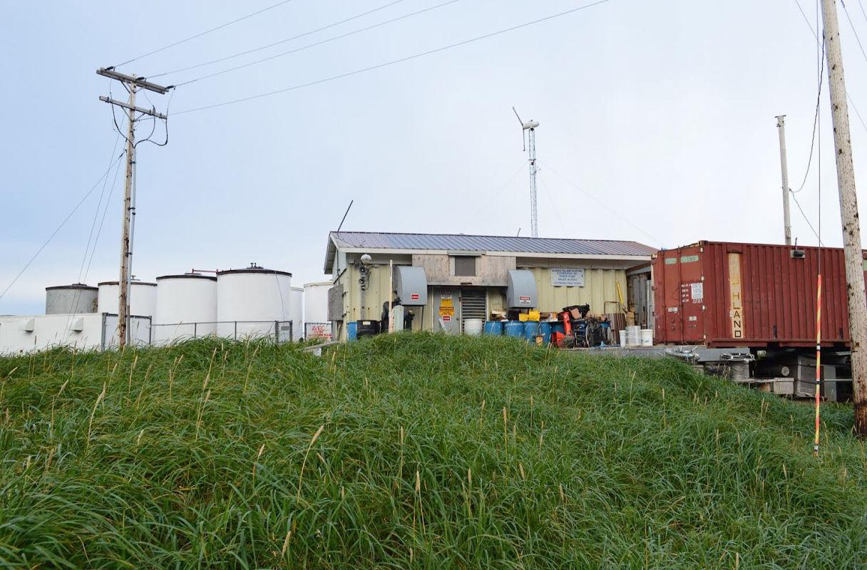 2014-11-11-wales-fuel-farm-001-2432px-608x400@2x