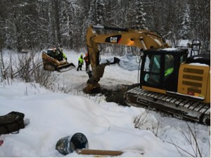 EPA, Alaska DEC Crews Cleaning Up Richardson Highway Diesel Spill