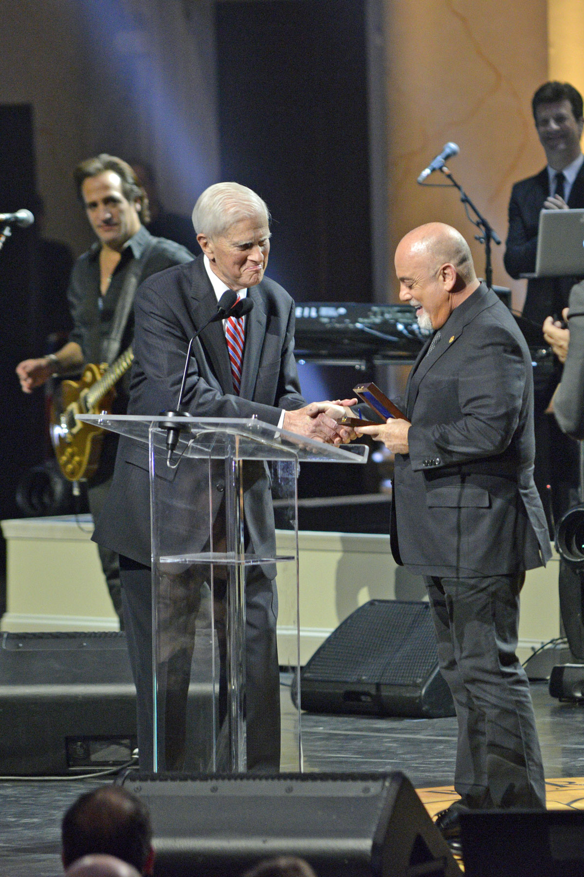 Librarian of Congress Dr. James Billington presents Billy Joel with the Library of Congress Gershwin Prize for Popular Song, November 19, 2014. (Photo: Shawn Miller)