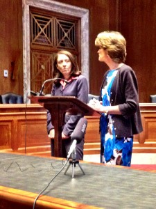 Sens. Cantwell and Murkowski speak to reporters.