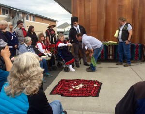 Tlingit elder Marge Byrd thanks project manager Todd White.