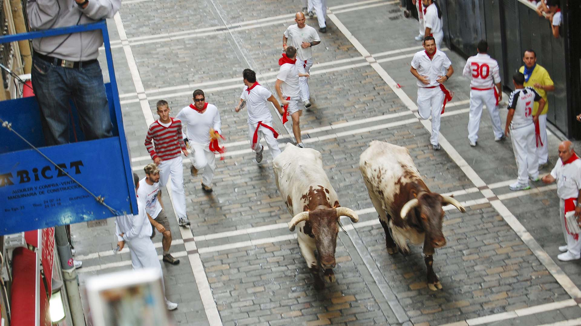 Rick experiences the pleasures of Andalucia, ventures into the reveller-filled Parisian streets on Bastille Day, takes in the royal pageantry in London, wanders through a Venetian palace, runs with the bulls in Pamplona, and so much more. (Photo Courtesy of APT)