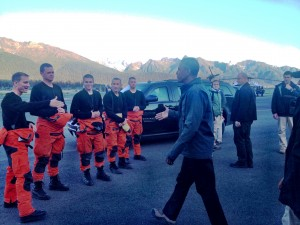 Obama thanks Coast Guard medivac team on duty for his boat tour. Photo: Liz Ruskin