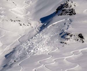 Extreme avalanche danger at Hatcher Pass