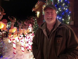 Counting Santas: Jeff Campbell's house lights up Juneau