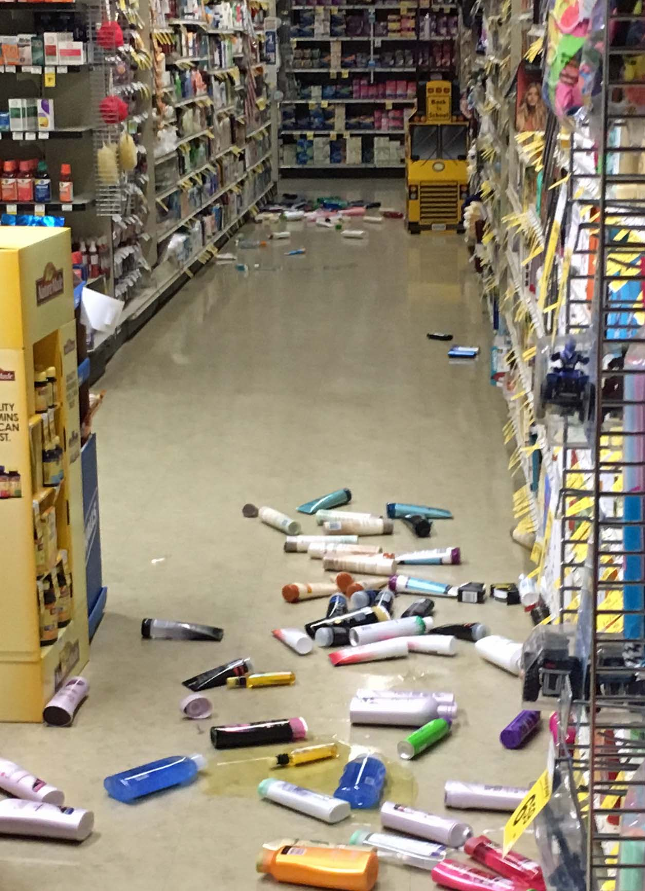 The Safeway in Homer had some cluttered aisles Sunday morning after the earthquake. (Photo by Perry Lynn )