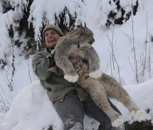 AK: Among wolverines, lynx and fox, a man finds his pack