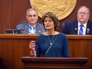 Sen. Lisa Murkowski addresses a joint session of the Legislature (Photo: Skip Gray/KTOO)