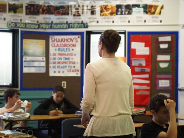 Tonya Shakhov re-caps a three-month project focused on crime in Anchorage and Alaska with her seventh period social studies class at Gruening Middle School. Photo: Zachariah Hughes, Alaska Public Media.