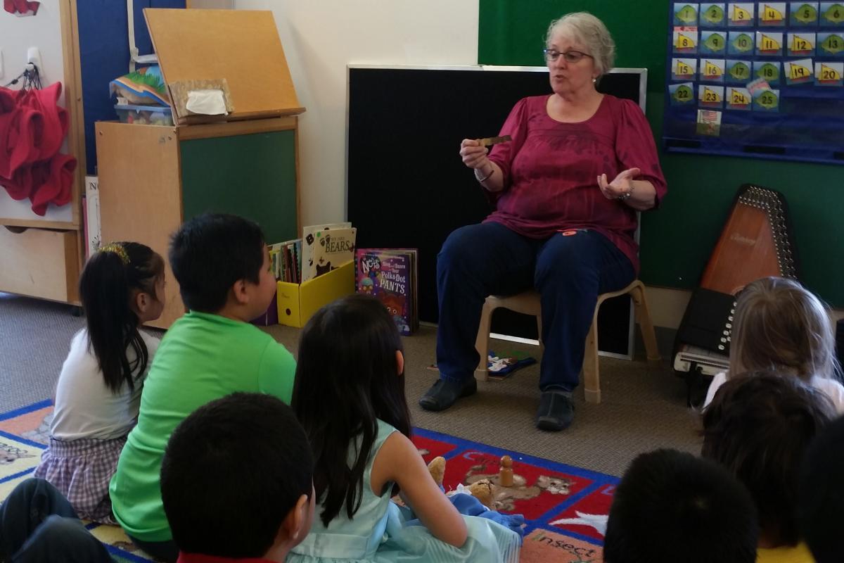 Susan Carlisle teaching her preschool class. (Photo by Zoe Sobel/KUCB)