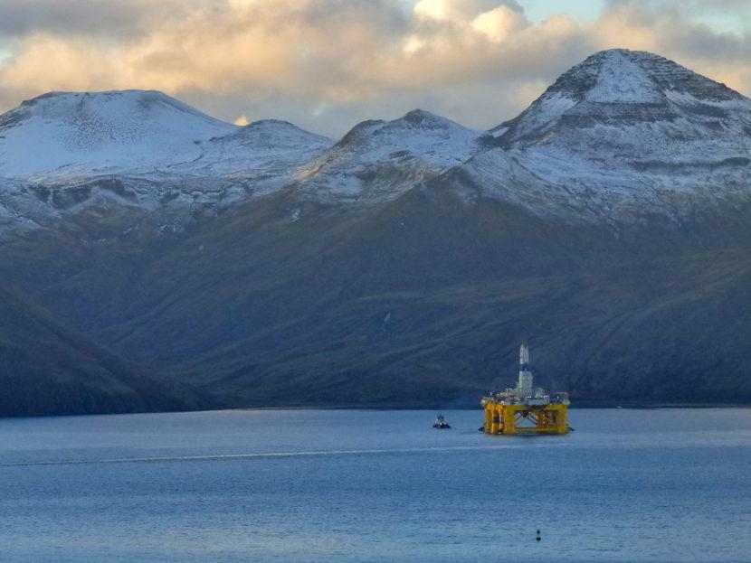 Shell's Polar Pioneer leaving Dutch Harbor on Oct. 12, heading for Washington state. (Photo by John Ryan, KUCB - Unalaska)