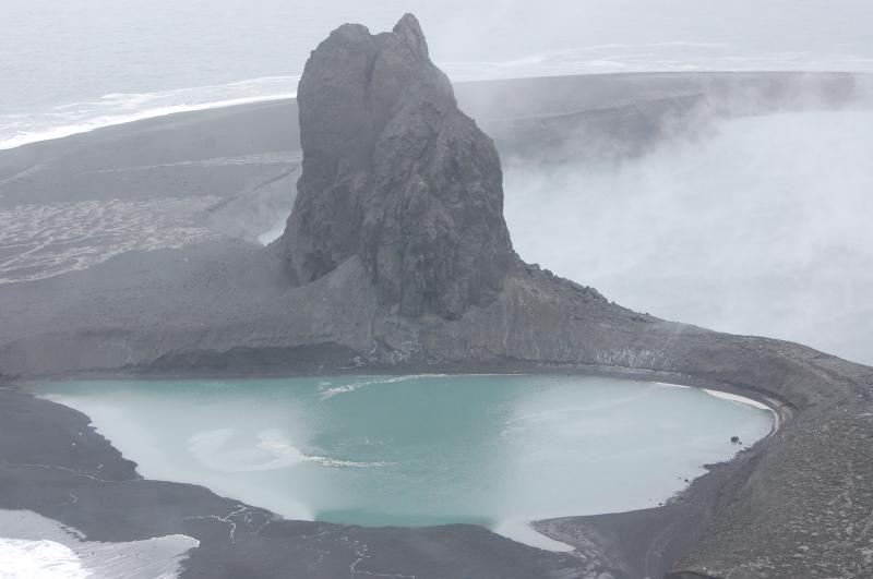 New equipment helps scientists keep tabs on Bogoslof now and study it later
