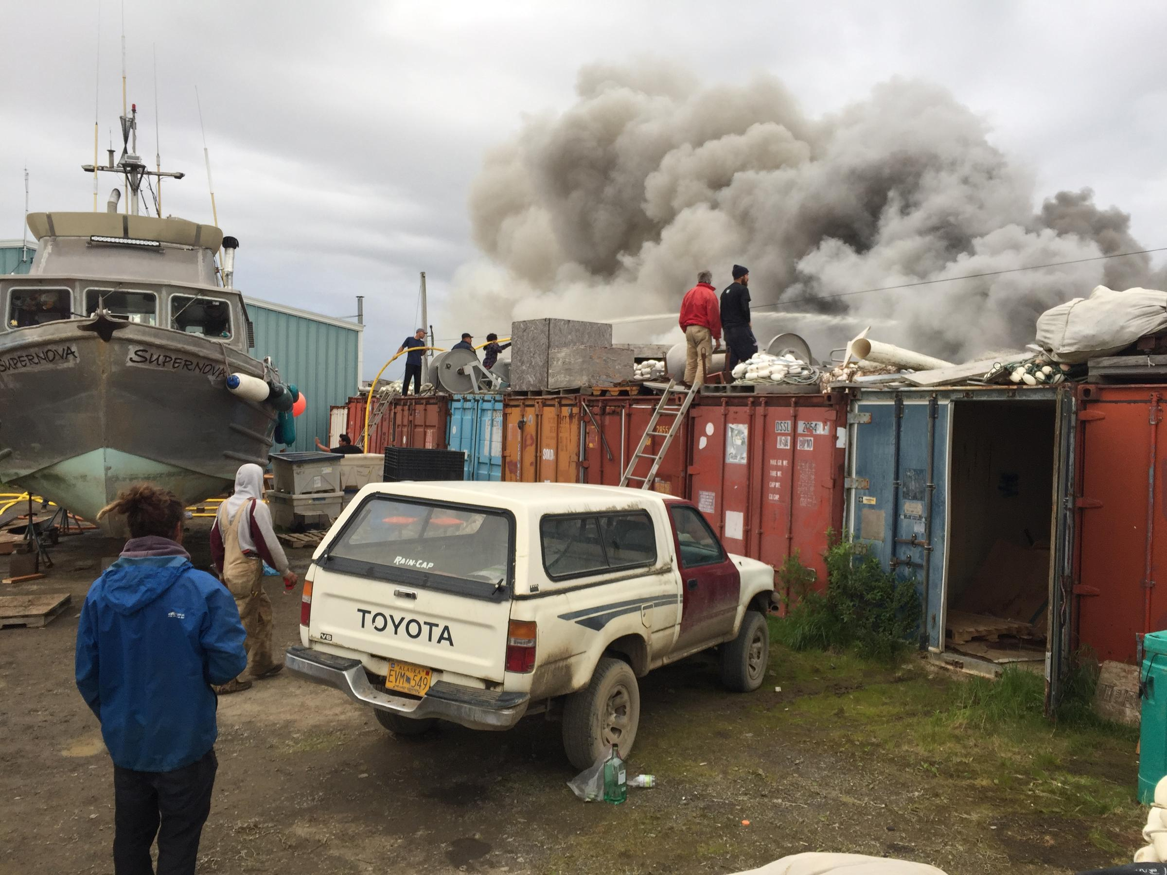 Exceptionnel Onlookers Gather To Watch A Fire Near The Dillingham Harbor On Friday, July  27, 2018. (Photo By Austin Fast / KDLG)
