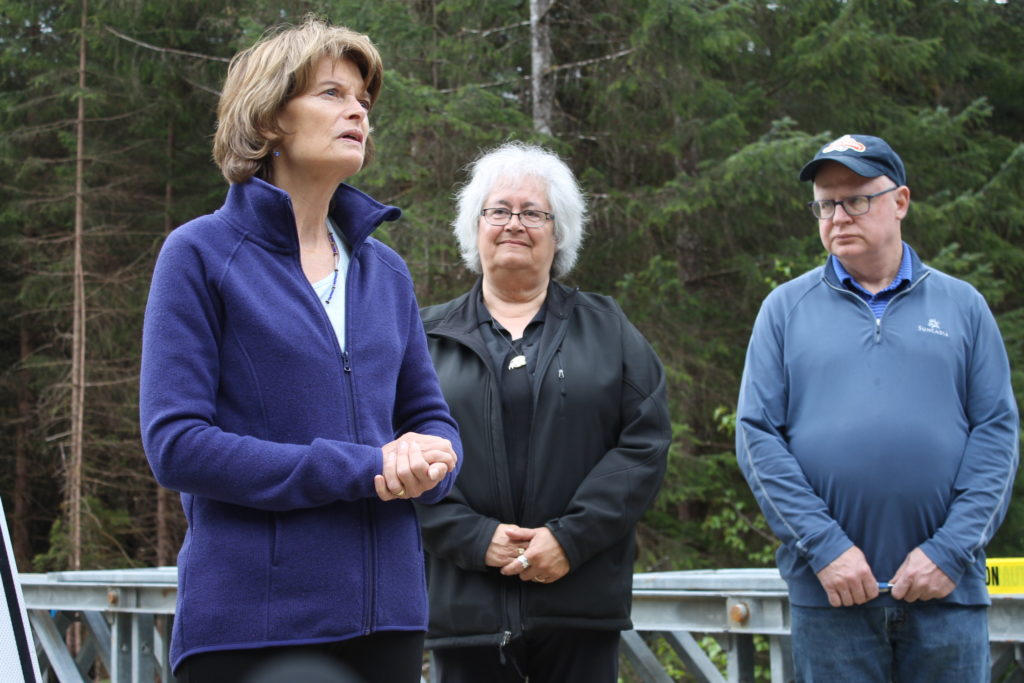 Group of tourists pledges to cancel trips to Alaska if Murkowski confirms SCOTUS nominee
