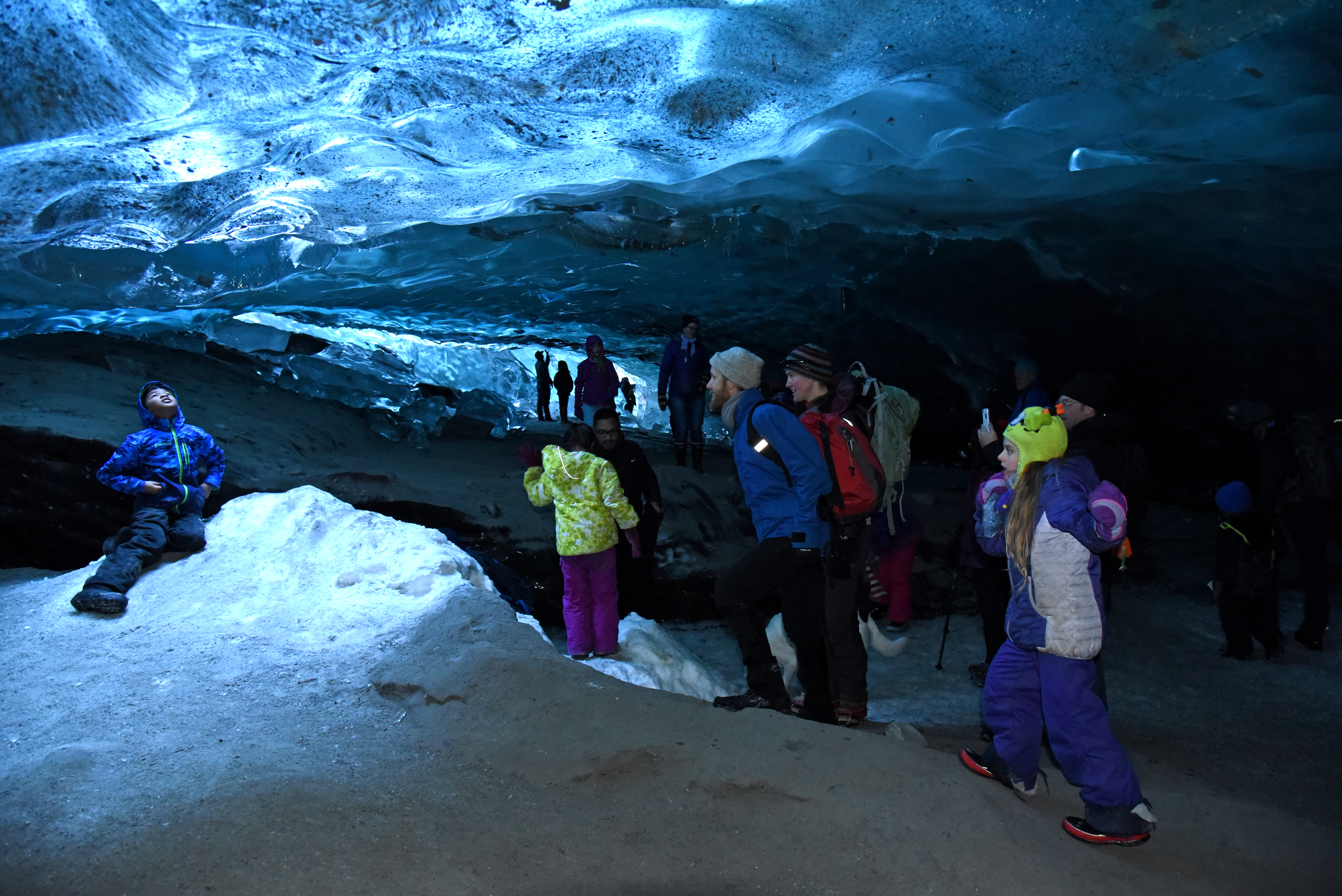 AK: Know the risks before you visit Mendenhall Glacier's newest ice cave