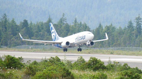 Lightning strikes reported on two Alaska Airlines flights Sunday near Juneau