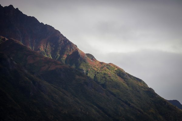 a picture of a mountainside